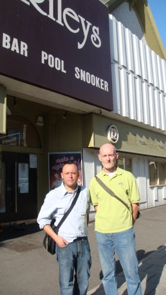 Councillors Haselden and Wellbelove outside Rileys Snooker Club